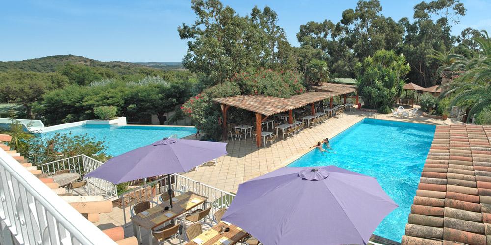 Camping a porto vecchio location avec cuisine quip e for Camping corse du sud avec piscine