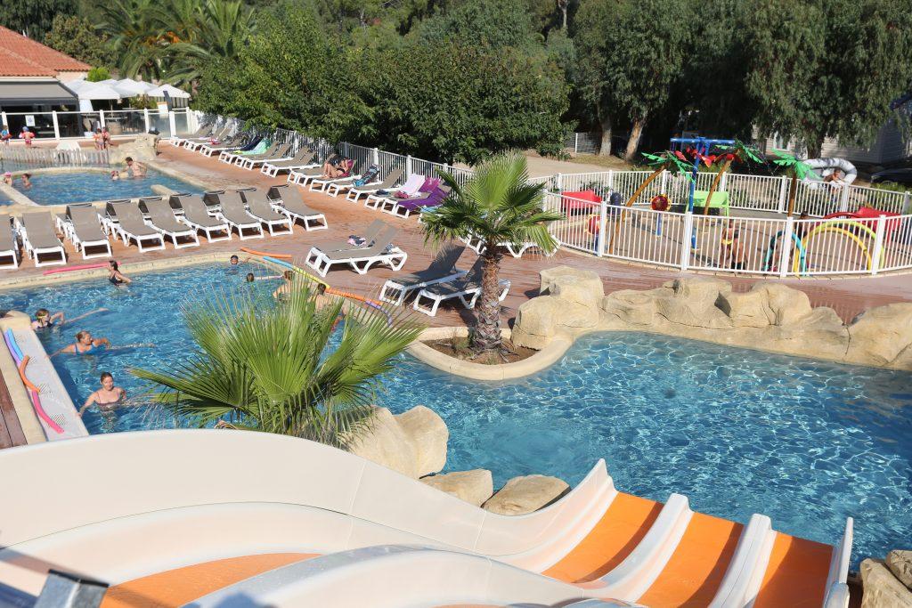 Campings et r sidences avec toboggans aquatiques plein for Club vacances ardeche avec piscine