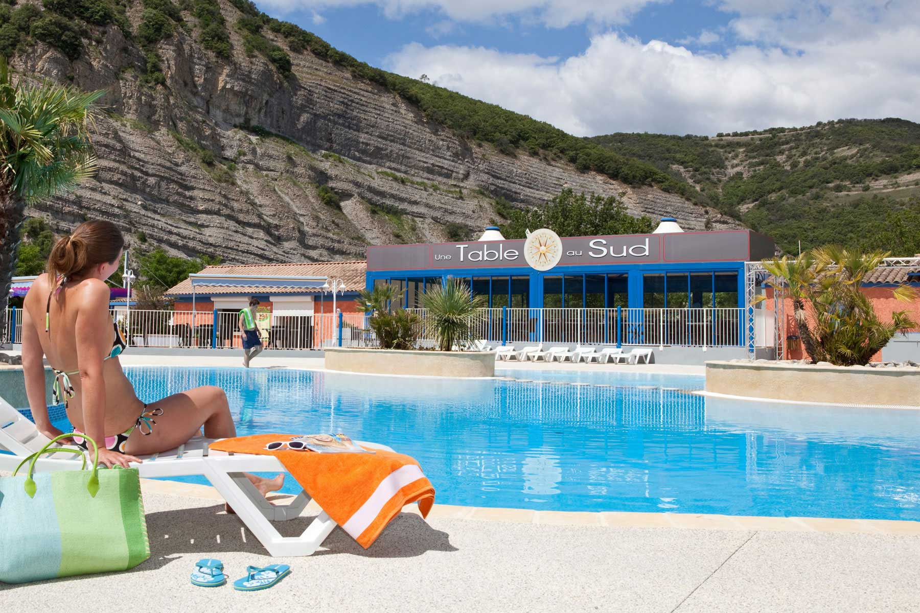 Vallon pont d 39 arc camping la plage fleurie plein air for Club vacances ardeche avec piscine