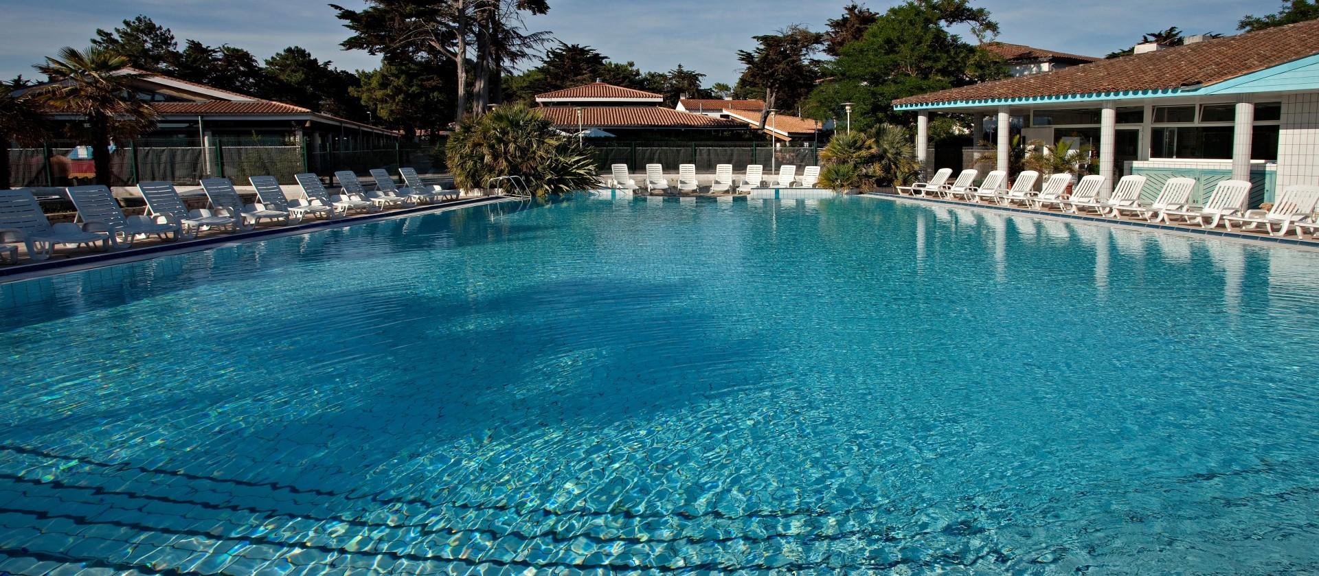 Camping les grenettes ile de r plein air vacances - Camping ile de re piscine ...