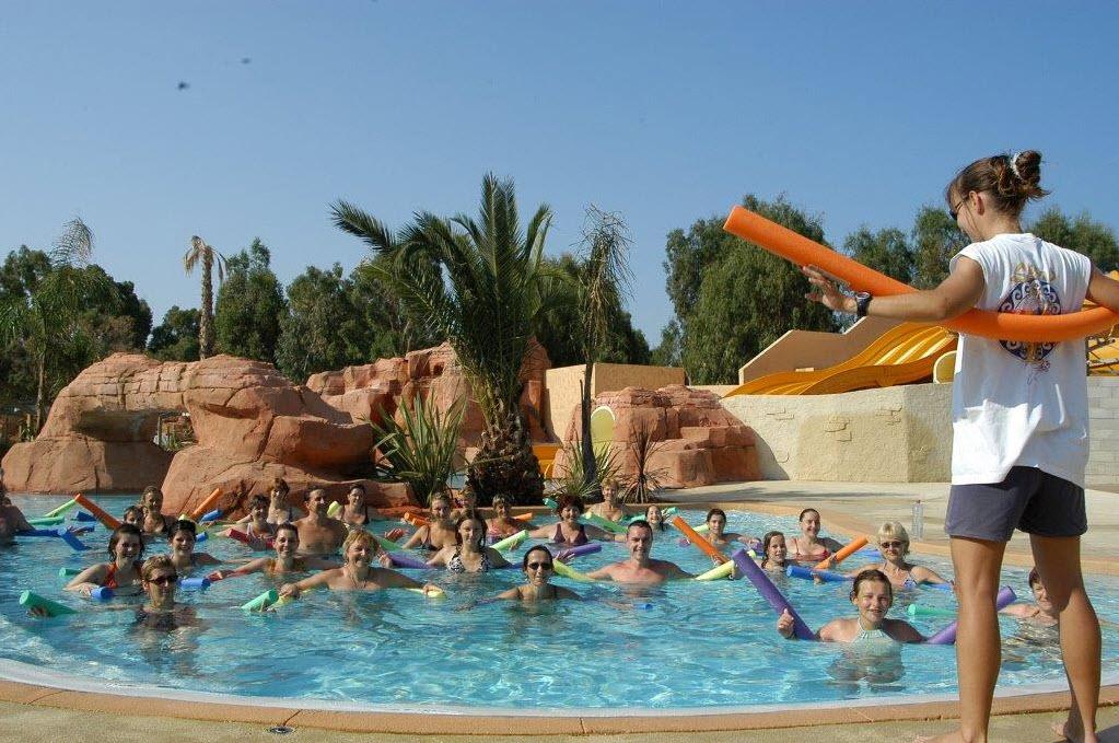 mer avec piscine hyres camping les palmiers plein air vacances